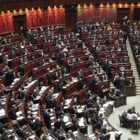 Parlamento, stipendi più alti d'Europa